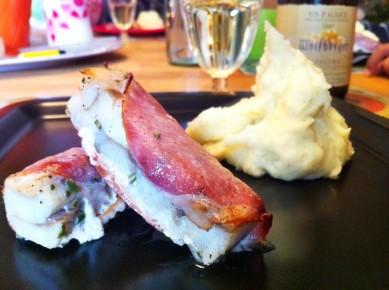 poisson au bacon et romarin, purée de pommes de terre et riesling