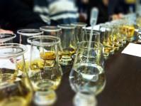 Verres prêts à déguster chez Whisky et Rhum Rennes