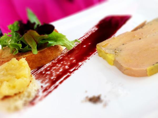 Assiette de foie gras dansmacuizine - Decoration foie gras assiette ...