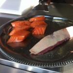 Avant d'être cuits, les poissons et viandes sont crues (dingue, non ? Ah , ces Japonais, quelle bande de fantaisistes)