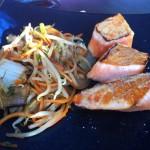 Teppanyaki de saumon et légumes croquants (servis avec un bol de riz et une soupe miso)