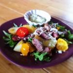 salade tiède de boeuf, sauce avocat-basilic