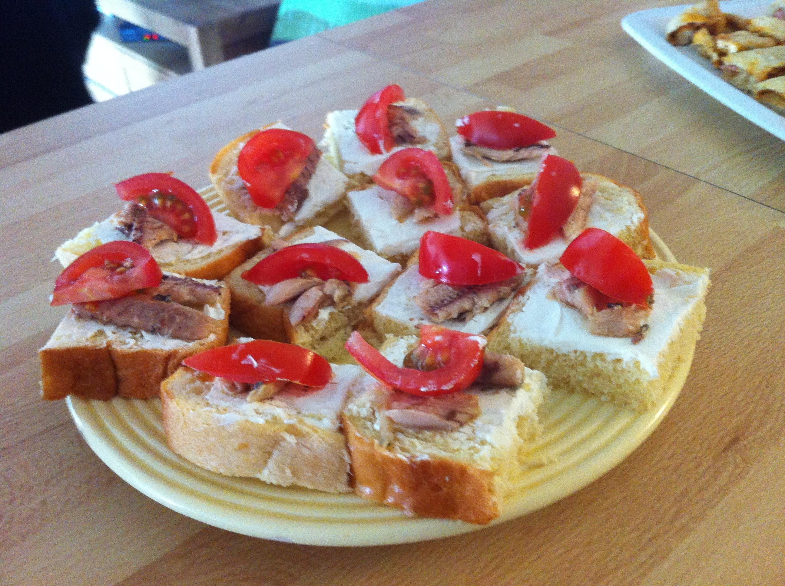 Une id e pour l 39 ap ro 6 toasts brioch s la sardine for Canape aperitif froid