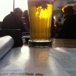 Une bière blanche et un magazine = prévention contre le blues du dimanche soir (même si le magazine n'était pas follement joyeux)