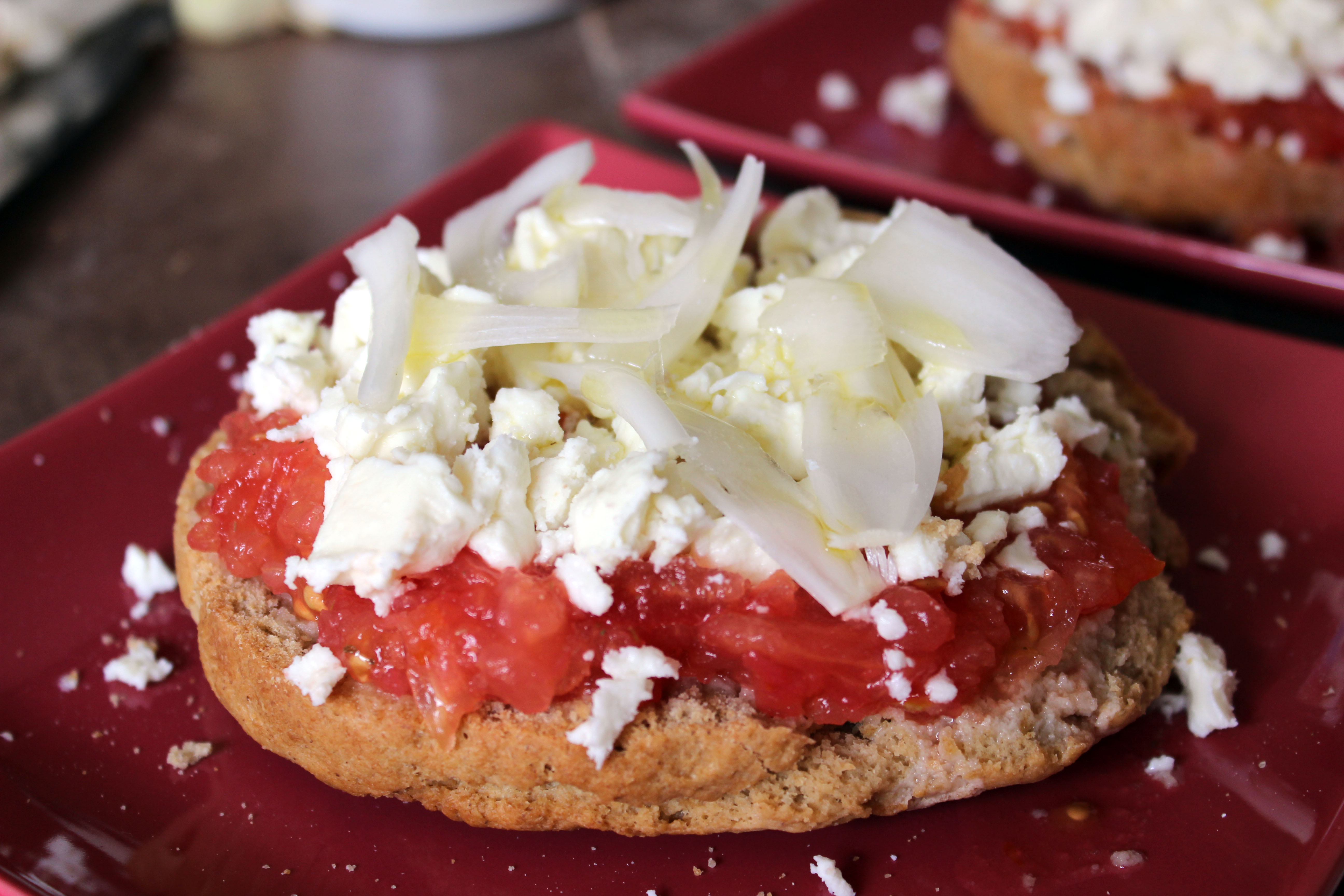 Dakos, Pain à la tomate crétois