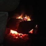 Le feu de cheminée, franchement, le dimanche soir, ça aide.