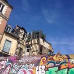 La nature reprend ses droits place Saint-Michel, une vision assez étonnante...