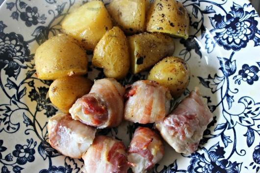 Une recette de poulet mariné et de patates