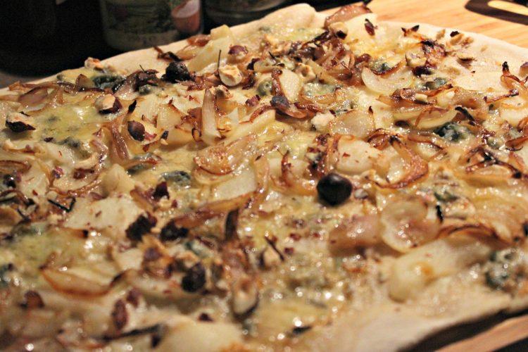 Recette de pizza poire et roquefort