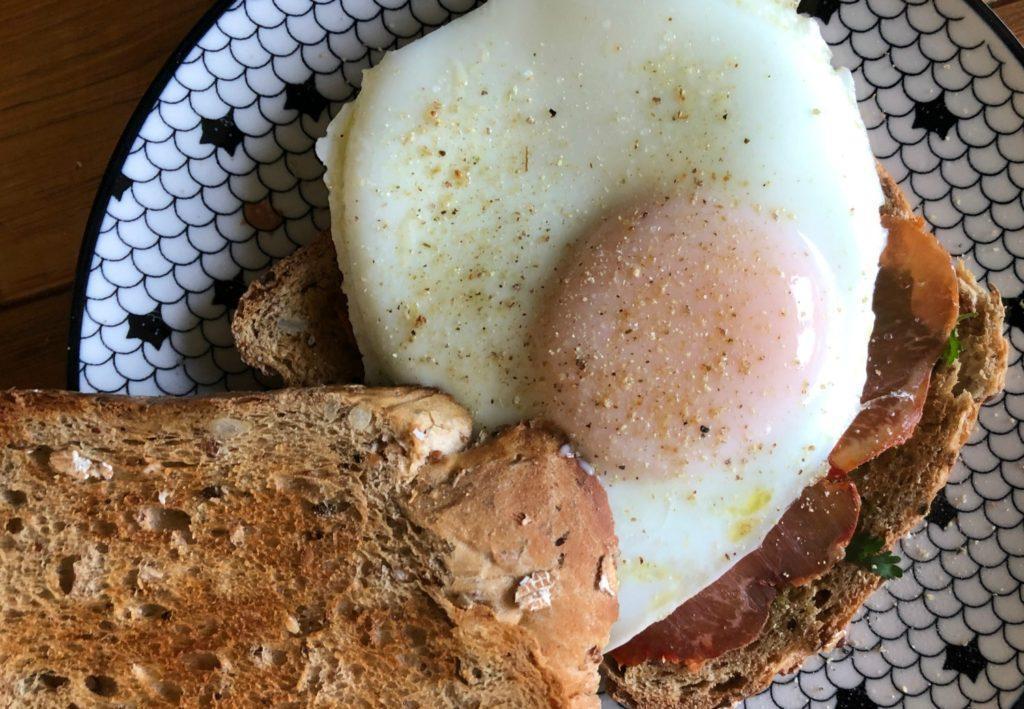 """Cuisson de l'œuf au plat """"vapeur"""""""