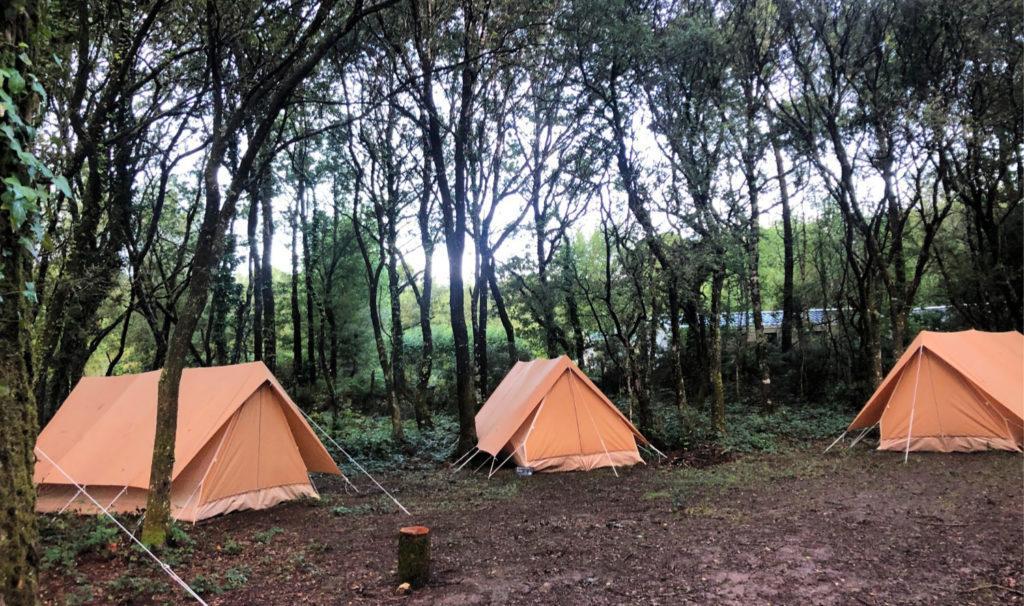 Le petit campement est cool, même avec un problème de météo